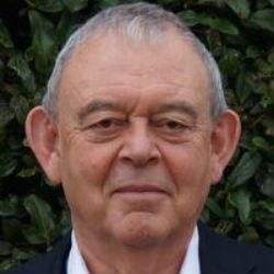Dr Richard  Barnes