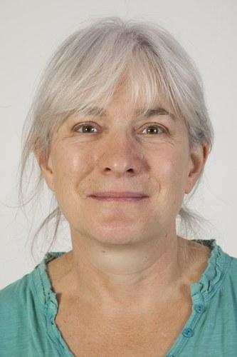 Dr Angie  Tavernor